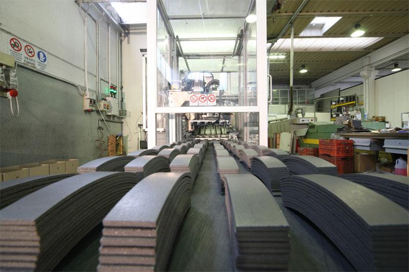 Пластины из жесткого фрикционного материала Beral для тормозных накладок на складе